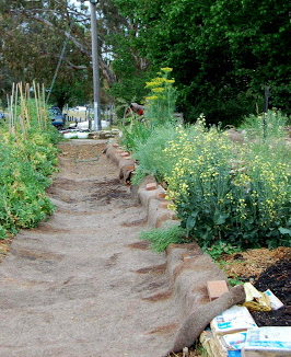 used carpet for garden mulch